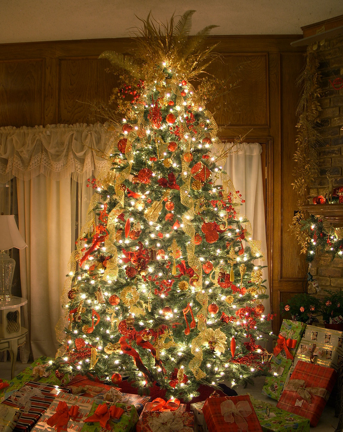 worlds best prelit artificial christmas tree - Full Artificial Christmas Trees