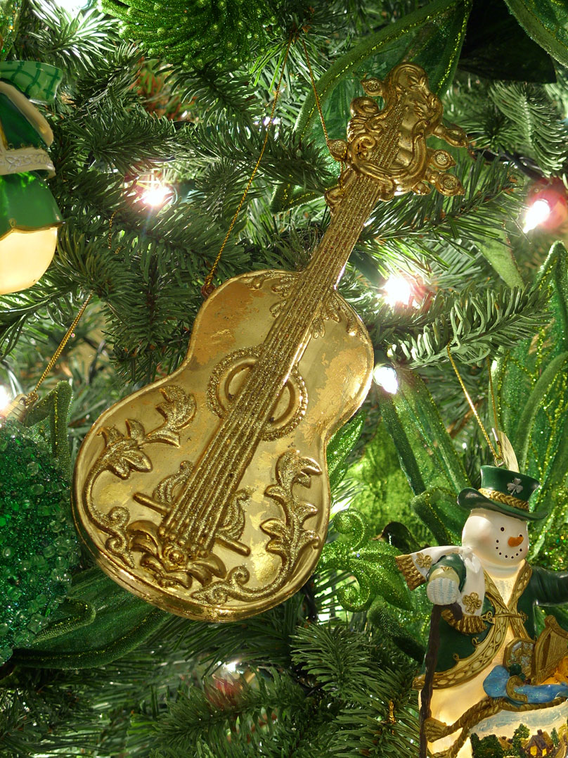 Decorating an irish themed christmas tree amazing for 12 days of christmas decoration theme