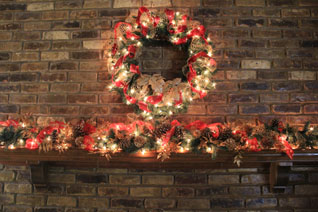 red & gold mantel decor